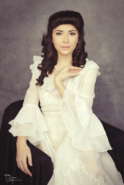 alexandra-petronia-makeup-artist