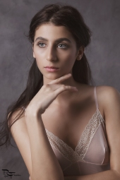 vintage-petronia-makeup-artist